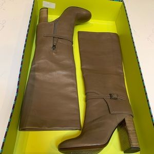 Tory Burch Sarava Boots. Size 6.5